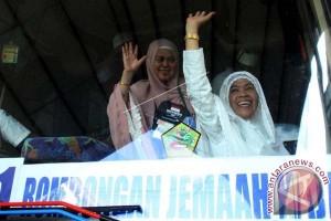 450 Jamaah haji kloter I Embarkasi Makassar tiba