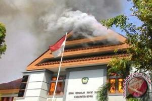 DPRD Gowa dibakar pengunjuk rasa tolak LAD