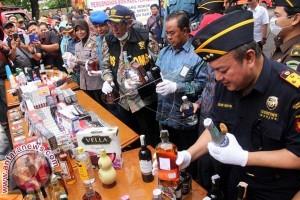 Wamenkeu musnahkan miras ilegal di Makassar