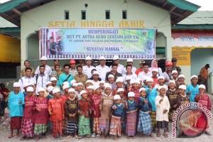 Perusahaan sawit dan TNI gelar sunatan gratis