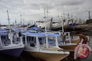BMKG Sulsel imbau nelayan urungkan sementara melaut
