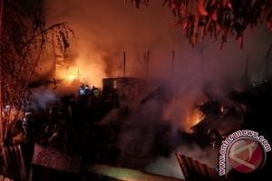 Lods Pedagang Depan Pertamina Mamuju Terbakar