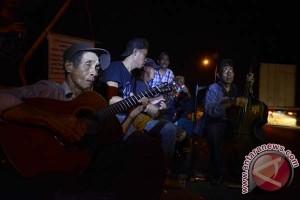 Ahli Waris Tol Reformasi aksi duduk sampai malam