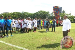 Wali Kota Makassar cari bibit pesepak bola