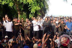 Puluhan ribu warga ikut jalan sehat FKPPI