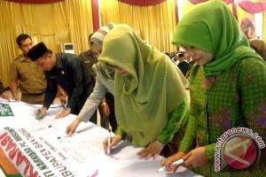 Pengurus cabang Muslimat NU Bantaeng periode 2016-2021 dilantik