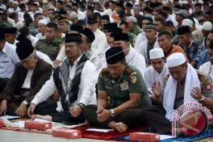 Ribuan massa ikuti istigosah untuk kedamaian Sulsel