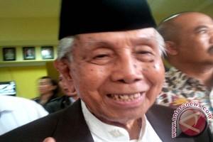 Gubernur Minta AGH Sanusi Baco Istirahat