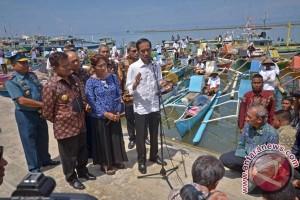 Presiden Jokowi : Lanjutkan program asuransi nelayan