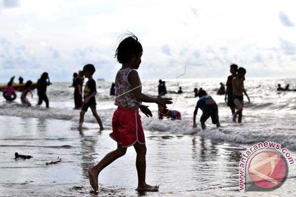 Wisata Pantai Di Makassar Diminati Pengunjung