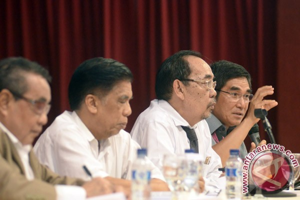 Seminar Nasional API Bahas Dampak Amandemen UUD