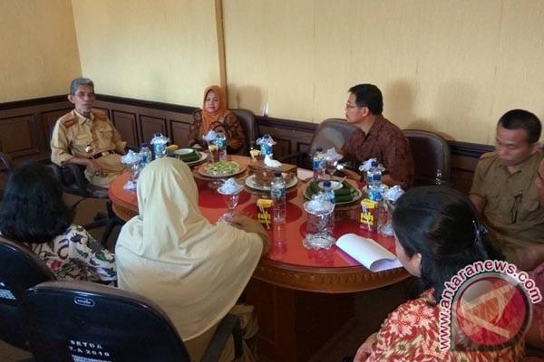 Tim Penilai Kabupaten Sehat Sulsel Kunjungi Sinjai