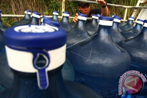 Warga Gelisah Air Kemasan Ditemukan Jentik Nyamuk