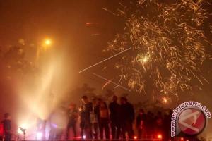 Hujan Warnai Pergantian Tahun Baru Di Makassar