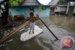 Banjir Rendam Pemukiman Kompleks Pemda Mamuju