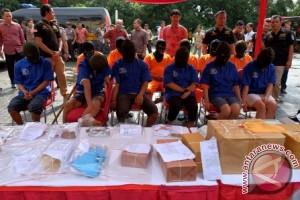Polres Mamuju ringkus lima pelaku penyalahgunaan narkoba
