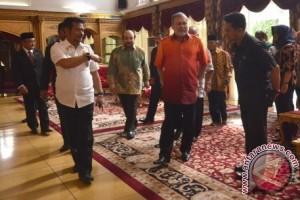 Sultan Johor Kunjungi Gubernur Sulsel