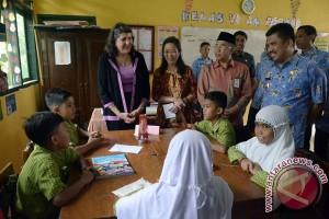 Direktur Usaid Kunjungi Sekolah Binaan Di Sulsel