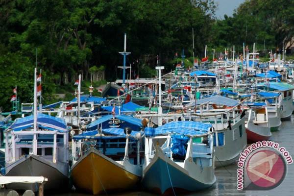 Nelayan Makassar Tidak Melaut Akibat Cuaca