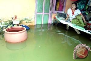 Pemkot-PMI Makassar Buka Posko Banjir