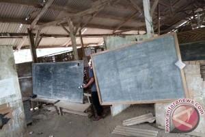 Pertamina Salurkan CSR Renovasi Sekolah Di Bone