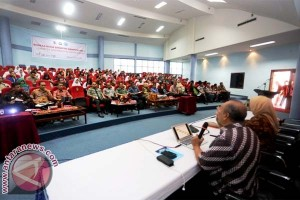 Unhas Sosialisasi SNMPTN Secara Marathon