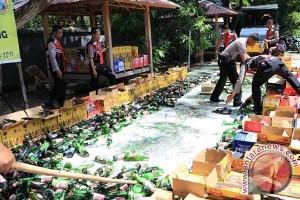 Polres Bantaeng Musnahkan  Miras Dan Knalpot Racing