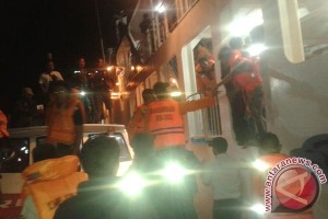 SAR Evakuasi 184 Penumpang KMP Dharma Kartika
