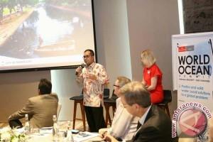 Wali Kota Makassar Bahas Sampah Di WOC