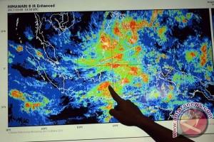 BMKG Makassar Ingatkan Waspadai Cuaca Buruk