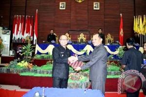 DPRD Mamuju Setujui Perda Pengelolaan Sampah