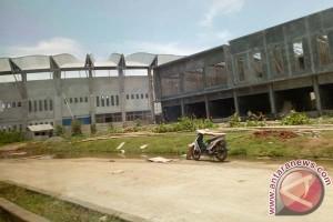 Wawali Minta Perizinan Kawasan Stadion Barombong Dihentikan