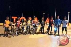 "Komunitas Sepeda Lipat Makassar Gelar ""Nite Riding"""