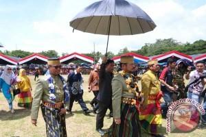 Gubernur Sulsel Bantu Yayasan Pendidikan Di Soppeng