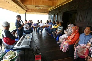 "Wagub Sarankan Alumni Pertanian Buka Toko ""Online"""