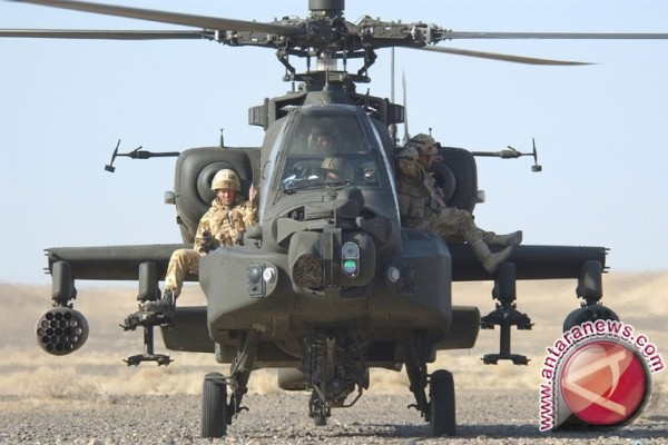 HUT TNI 2017 Pamerkan Helikopter Apache