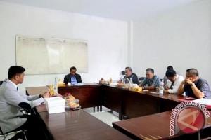 Adnan Purichta Resmi Sandang Gelar Master
