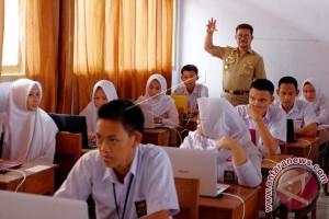 Gubernur Minta Disdik Inventarisasi Kebutuhan Komputer Sekolah