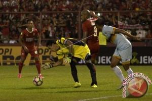 PSM Kalahkan Persela 3-1 Di Makassar