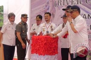 Menteri PUPR Resmikan Pengalihan Aliran Sungai Passeloreng