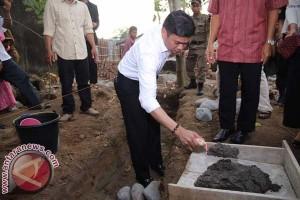 Bupati Gowa Letakkan Batu Pertama SD Islam Terpadu