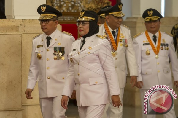 Presiden Lantik Gubernur-Wakil Gubernur Sulbar