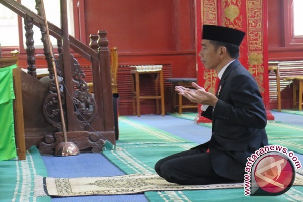Jokowi Kunjungi Masjid Niujie Beijing
