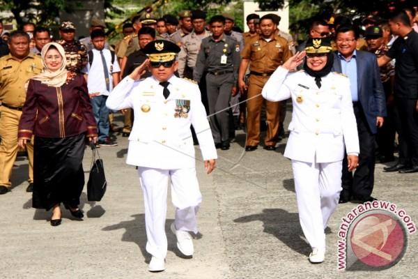 Gubernur-Wagub Sulbar Disambut Ribuan Pegawai