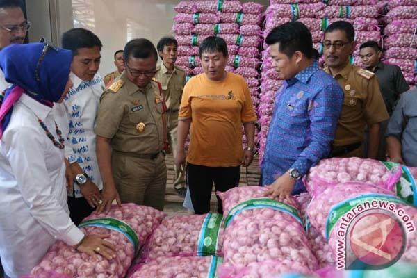 Sulsel Siap Impor Bawang Putih Untuk Ramadhan