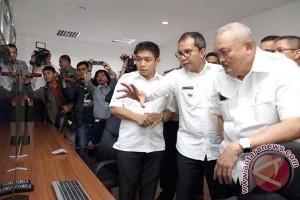"""Gubernur Sumsel Kunjungi """"War Room"""" Makassar"""