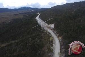Masyarakat Gembira Rampungnya Jalan Trans Papua