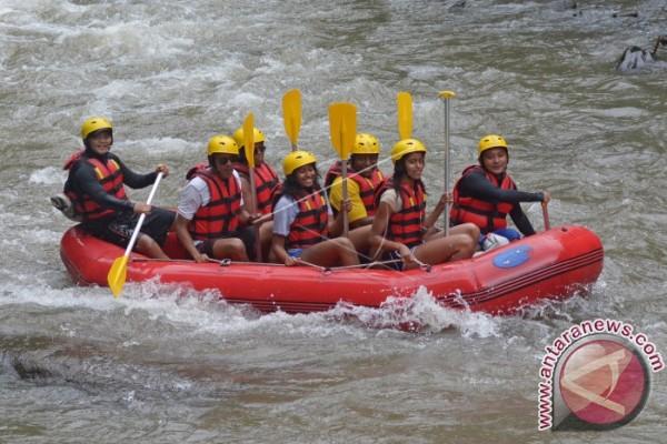 Barack Obama Kunjungi Objek Wisata Tirta Empul