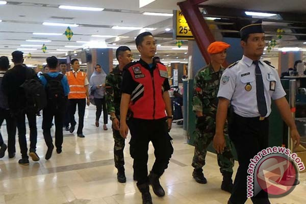 Jaga Keamanan Bandara Hasanuddin Personel Terpadu Patroli