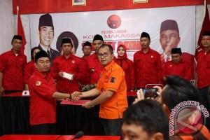 Wali Kota Kembalikan Formulir Ke PDIP Makassar
